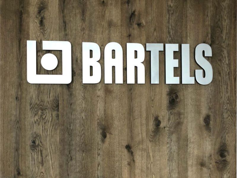Bartels Logo auf einer Tür